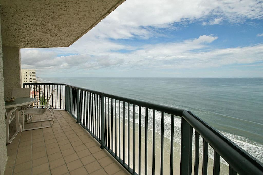 Luxury Condo On Beach In Daytona Beach Shores Condominiums For Rent In Daytona Beach Shores