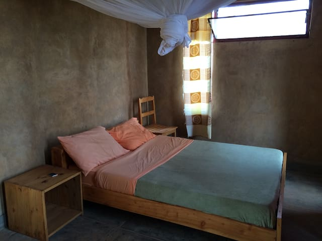 Room for 2 in Rwinkwavu Eco-House