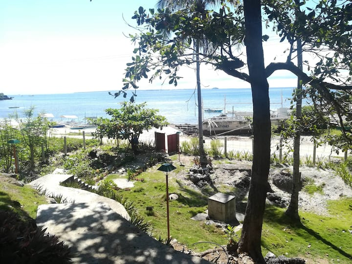 Malapascua Hilltop Beach (Room 2:  up to 2 guests)