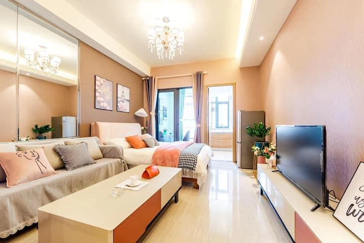 〈悦·屋〉,合适的空间,温馨,舒适,浪漫,欢喜。这就是你要找的房间。