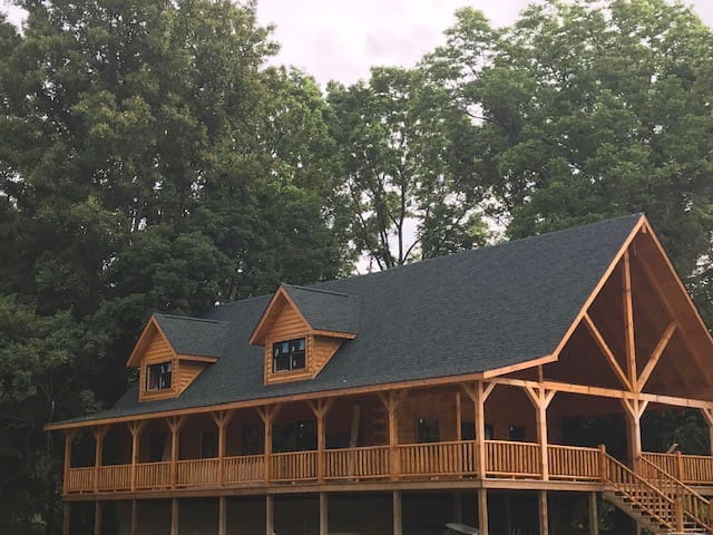 MeadowLark Lodge in the Hocking Hills