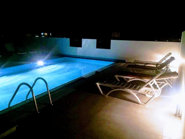 Lovely Studio in Central Girne with Rooftop Pool