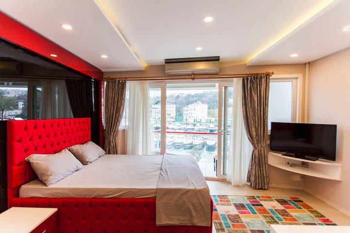 SEAFRONT-SEA VIEW LUXURY APARTMENT TARABYA POİNT ! - Sarıyer - Apartamento