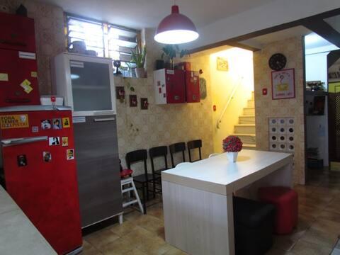 Yellow House hostel - Historical Center