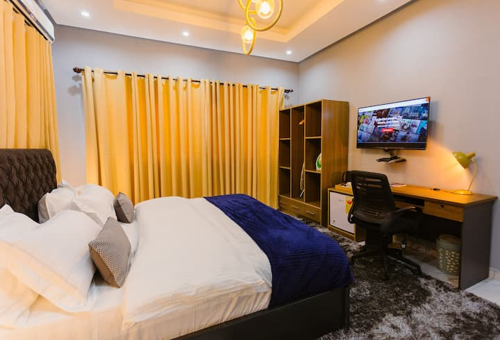 The Avery Suites- Executive Suite 3, at East Legon