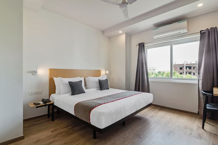OYO 1BR Superb Stay In Kondapur