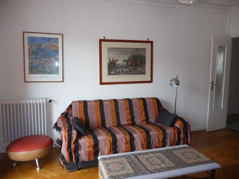 Salon/salle à manger avec canapé-lit - Position Jour Nouvelle décoration