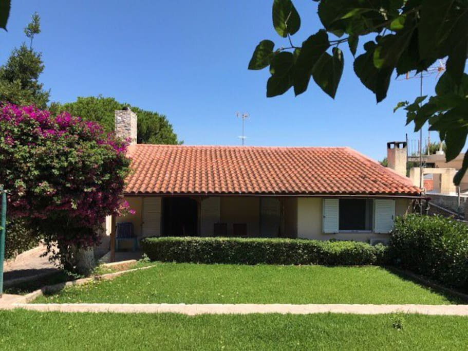 60 sq.m. country house only 500m away from the sea !!!