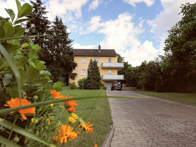 Sunny countryhouse flat with balcony and garden - Kitzingen - Rumah