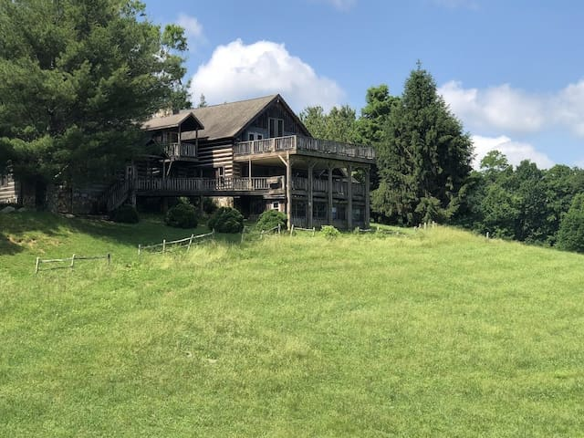 Family friendly lodge in the Blue Ridge Mountains
