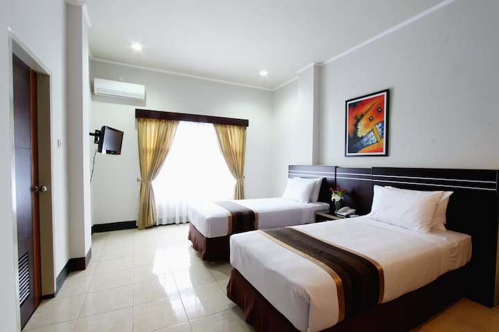 Maktal Hotel Mataram for Superior Room - Cakranegara - Bed & Breakfast