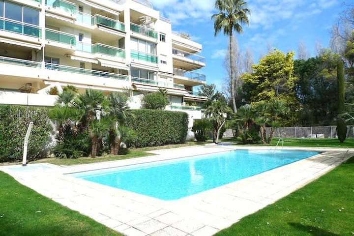 Large 2br with swimming-pool and garage, close to beach and Croisette