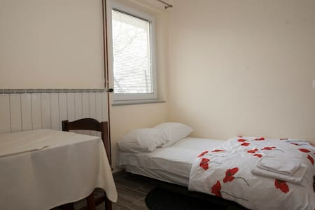 Guest House Čelan - Two Connected Single Rooms