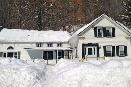 Charming Ski House close to Mt Snow and Stratton - Wardsboro