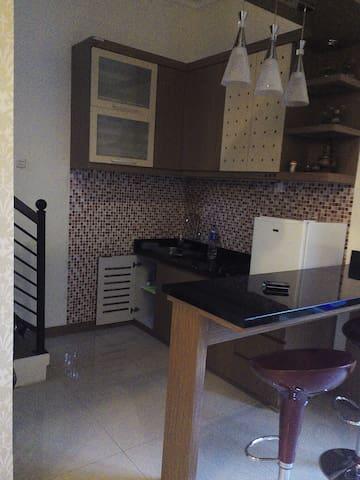sewa villa kota batu - Kecamatan Batu - Apartamento