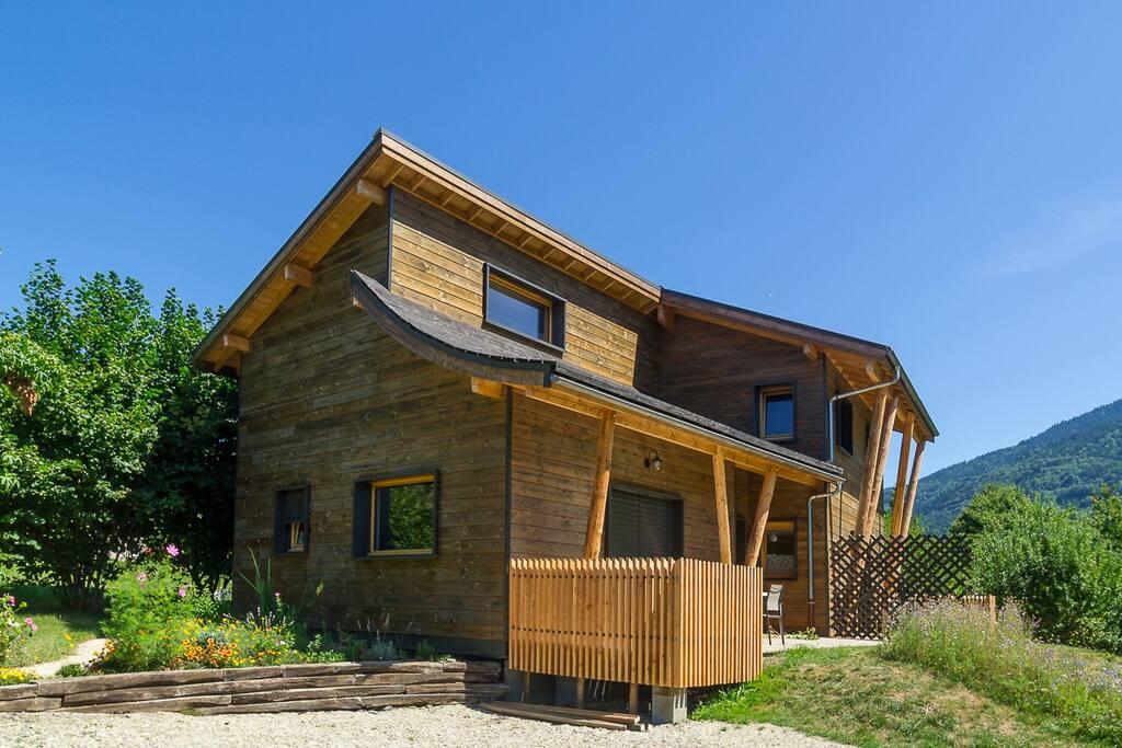 Maison composée de 2 logements indépendants avec chacun sa terrasse