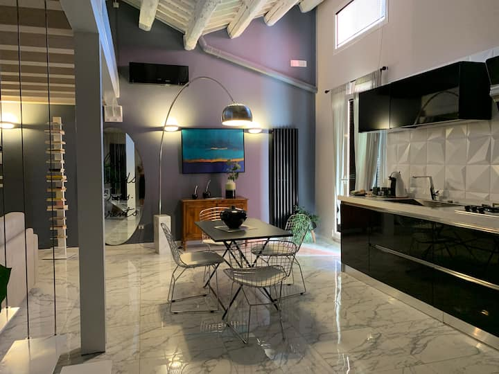 Beautiful House with terrace in center of chioggia