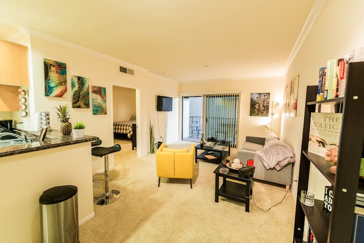 Awesome Resort Style 1 Bdrm | DTLA | FREE PARKING!