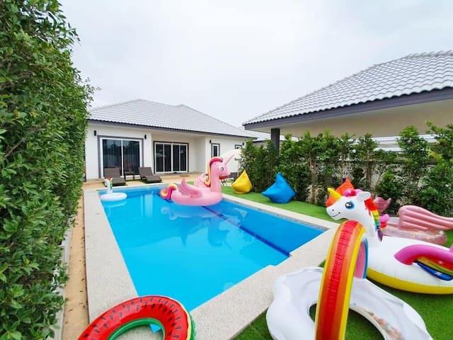 The twenty two pool villa  5 mins drive to beach