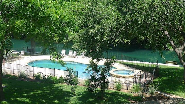 Rustic Comal River Condo at River Run