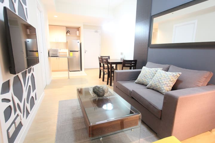 NEW! Spacious One Bedroom in The Grove Rockwell