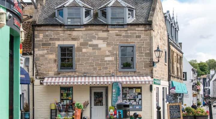 Maisonette flat ideal for Edinburgh Festival stay