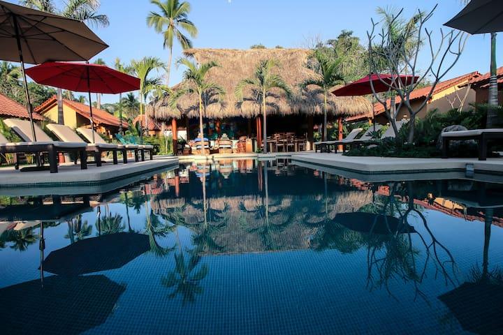 Salt water pool and Palapa bar!
