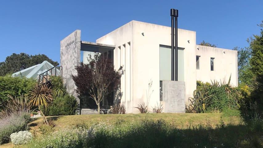 Casa estilo minimalista en Rincón del Indio