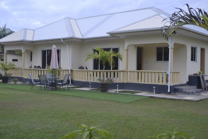 MY OZI PERL SELF CATERING GUEST HOUSE VILLA 2