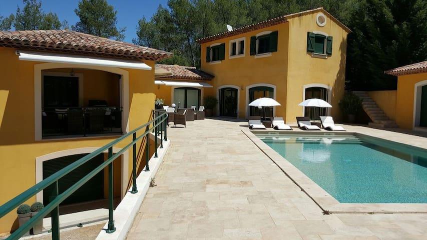 Villa luxueuse magnifiquement équipée - Taradeau - Talo