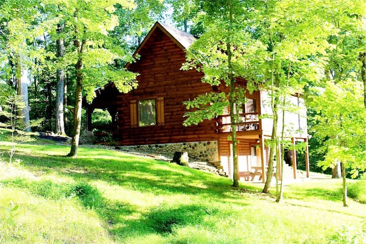 A Romantic Log Cabin with Pond in Hocking Hills