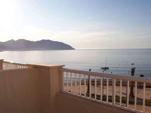 Amazing duplex facing the beach - Isla Plana - Hus