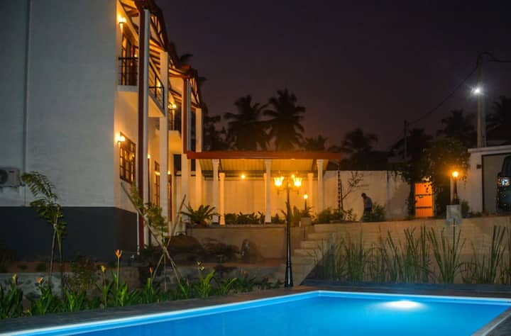 Villa of Mirissa-Two double rooms,pool,WiFi