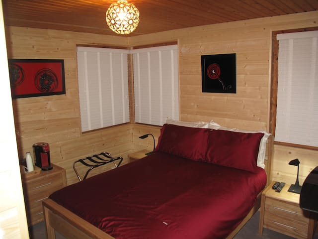 Cosy double en suite in a log house - Lochcarron - Bed & Breakfast