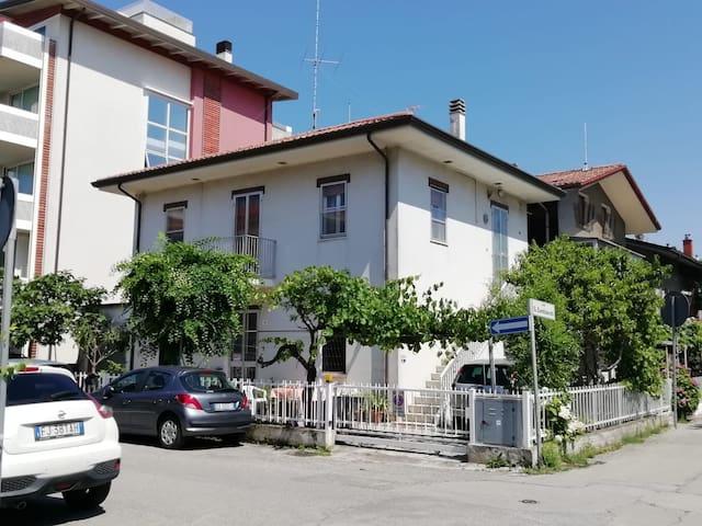 Casa  a due passi dal mare a Viserbella