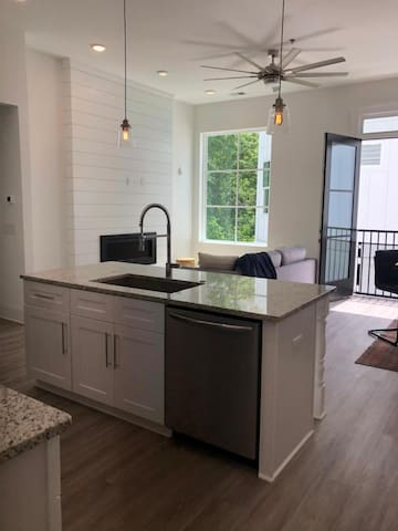 BEST location in Downtown Woodstock Luxury Condo
