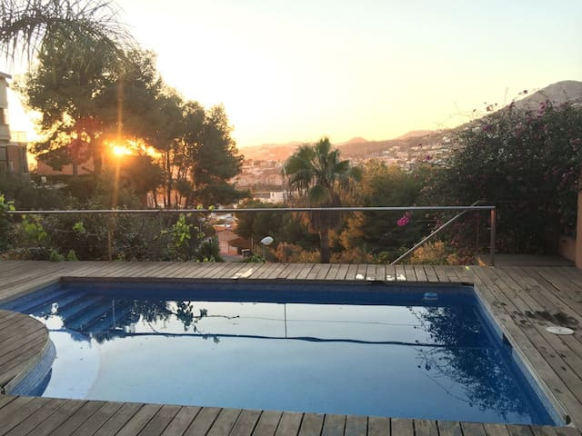 Peaceful, Relaxing Accommodation with Pool, Malaga - Málaga - Huoneisto