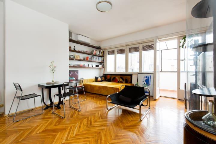 Topfloor flat in the heart of Buda
