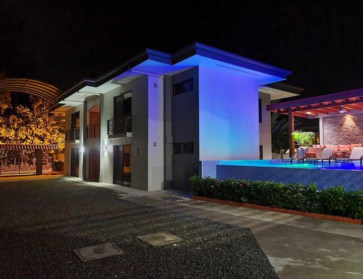 Ballena Paradise Aparta Hotel 4