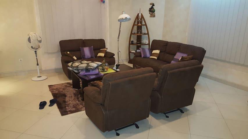 Nouvel appartement 3 pièces - Abomey Calavi - Apartamento