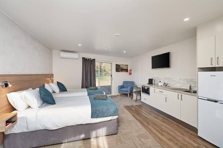 Gundagai Tourist Suites - Queen Suite