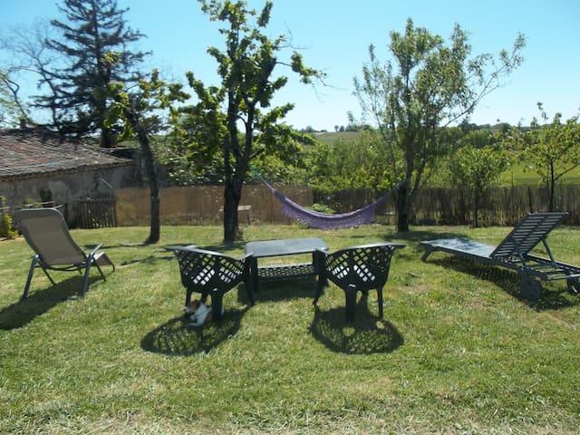 Maison au coeur des vignes, jardin, piscine. - Cahuzac-sur-Vère - บ้าน