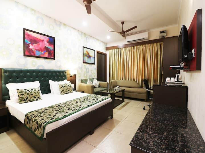 AC Classic Room In Alka Motel