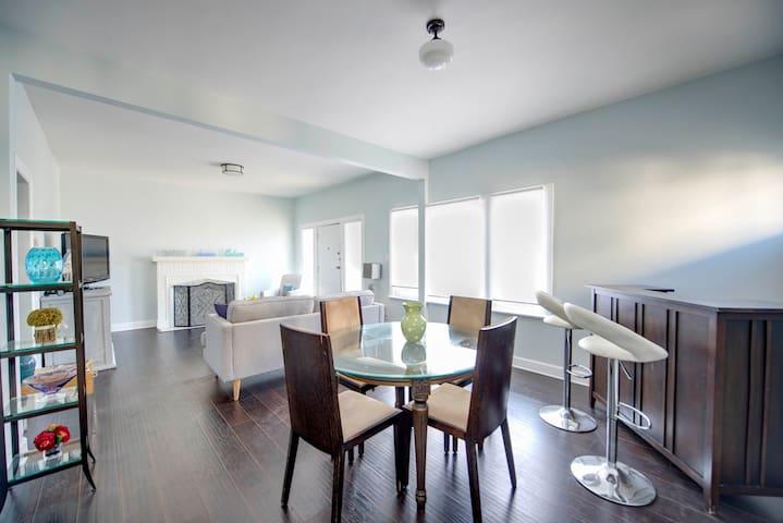 Room rental for Los Angeles Swanky Condo
