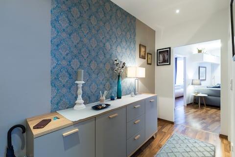 Cosy designer apartment in prime location