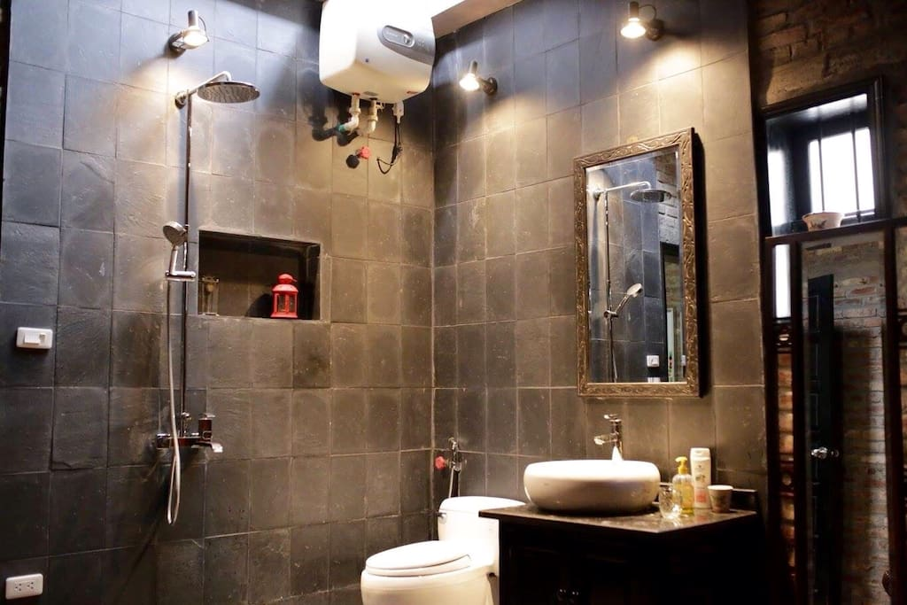 The bathroom in the master-bedroom.