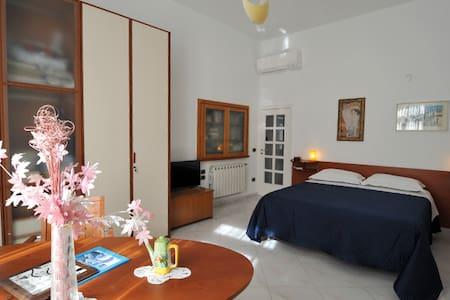Clavinova Room (PianoRooms B&B) - Vietri Sul Mare - Bed & Breakfast