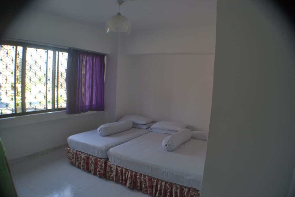 Room with Queen Bed + Single Bed