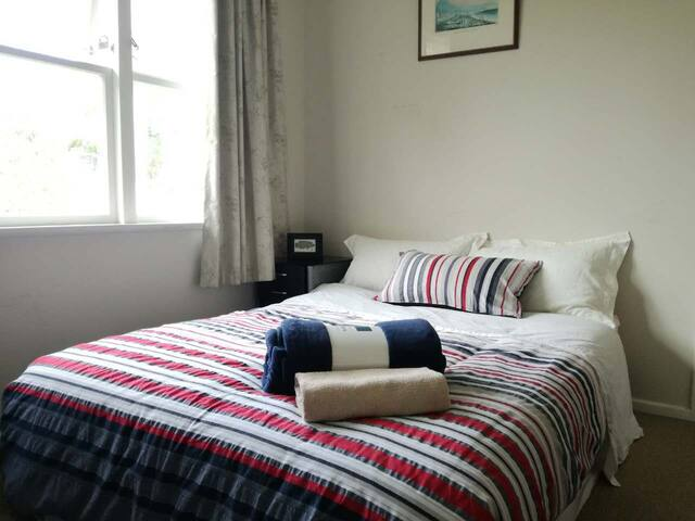 Cosy, Clean, Quiet Double Room.