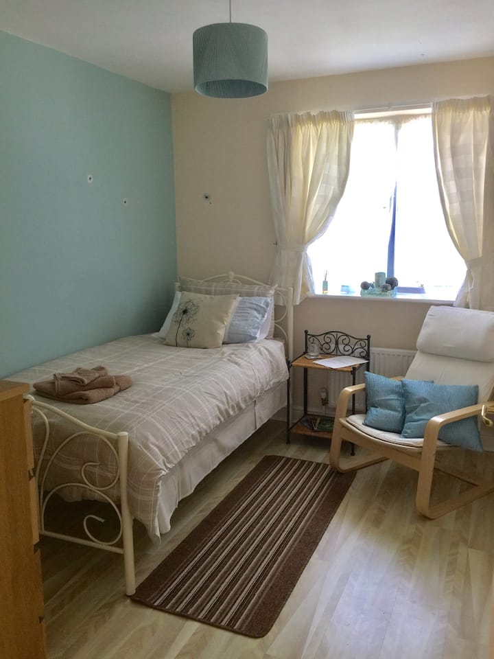 Dreamy and Fresh single room near Stansted Airport